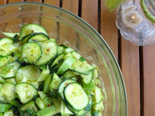 Zucchini-Apfelsalat