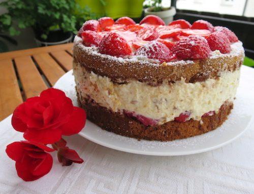 Erdbeer-Stracciatella Torte für den Sommer